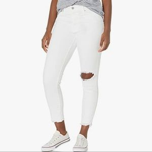 NWT Levi's 721 white High-Rise skinny ankle jean distressed